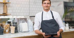 Trabajar de camarero necesita también ciertos requisitos (iStock)