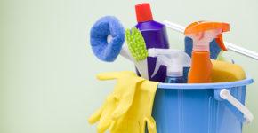 Ofertas en Cáceres para el puesto de camarero o limpiador (iStock)