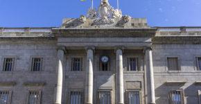 El Ayuntamiento de Barcelona convoca 1.343 plazas de oferta pública(Istock)