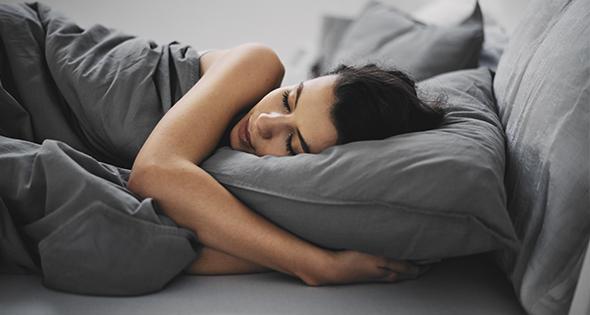 Cobra por ser probador de almohadas (Istock)
